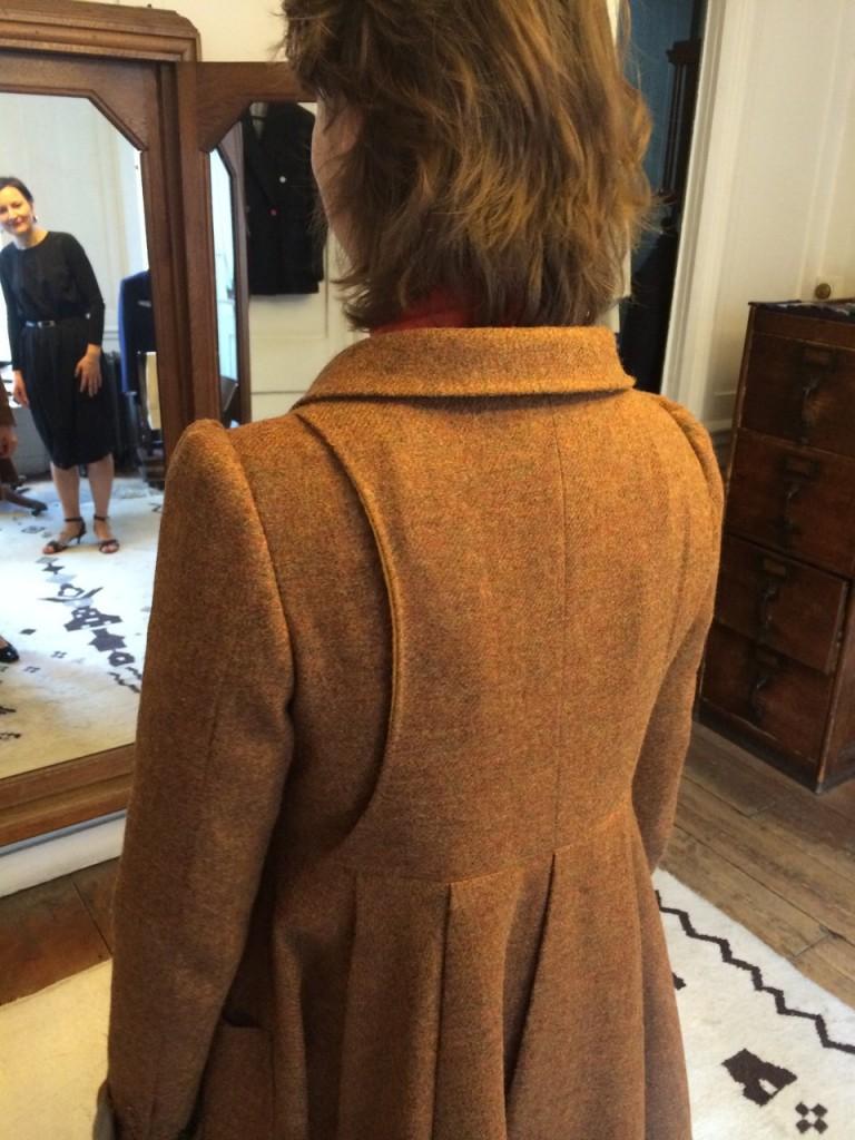 Fie, Brown coat back