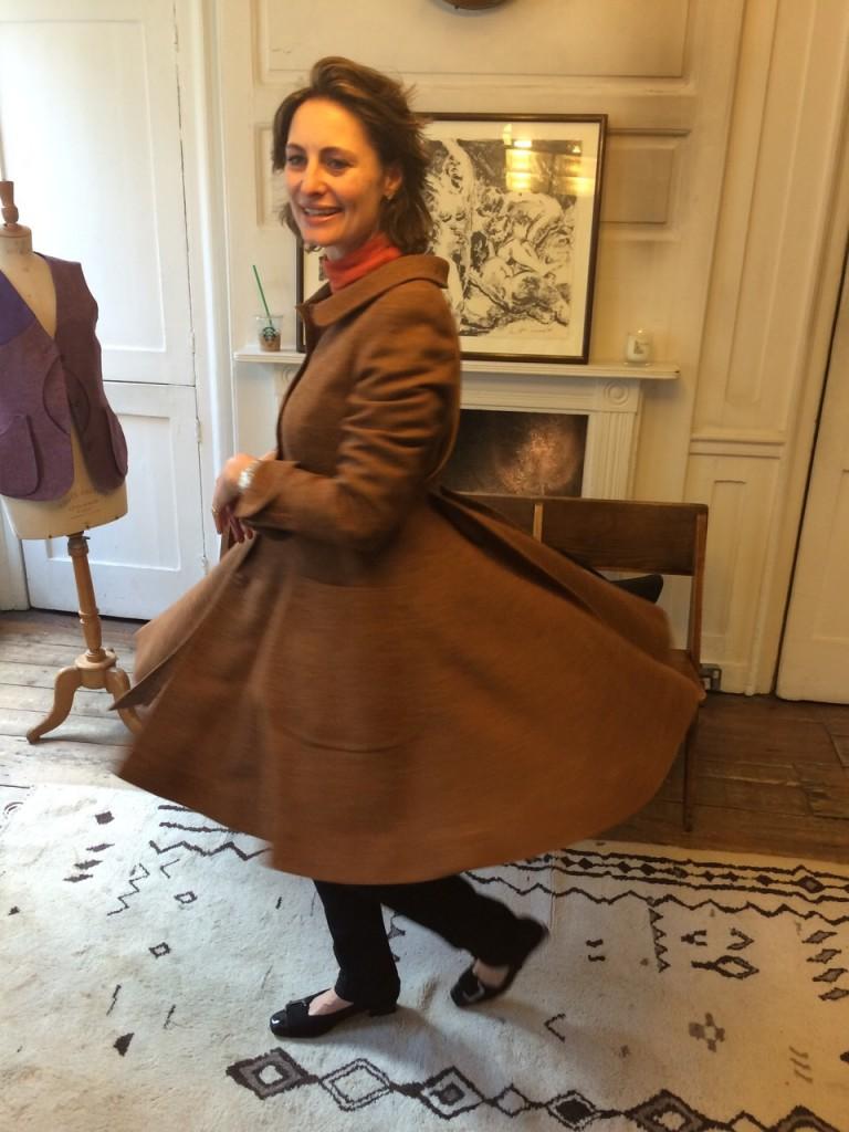 Fie, brown coat, mega swing