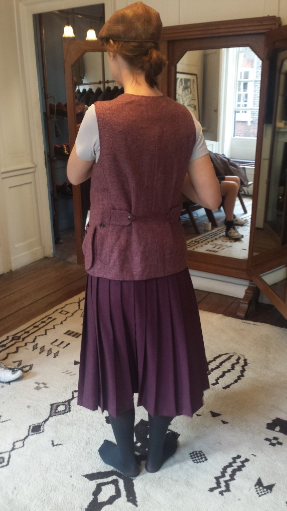 fie, skirt and vest, from back